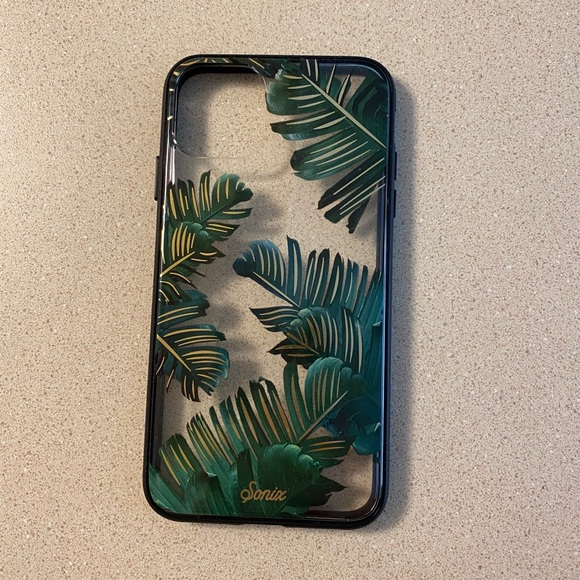 Sonix leaves iPhone case